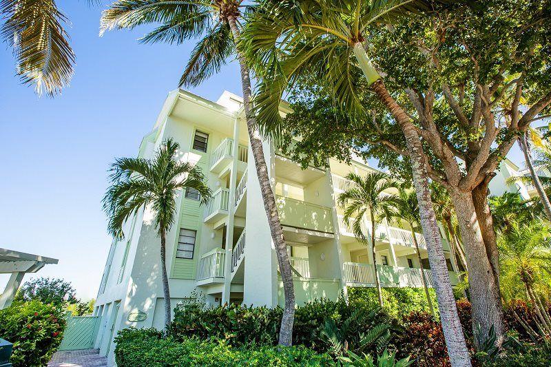 5102 Bayside Villas
